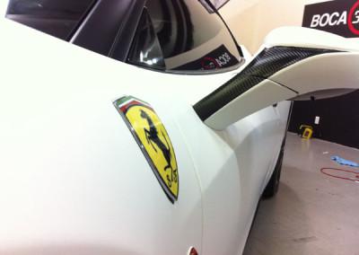 Ferrari Italia 458 - Matte White & Carbon Fiber Detail